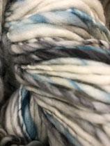 Manos del Uruguay Serpentina, Farbe Mother Theresa  (mit blassem Grau und Türkis)