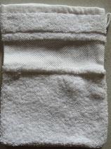 Washandje wit met borduurrand