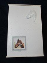 Pferdeurne Nr. 10 granit weiß, gold mit Wechselrahmen