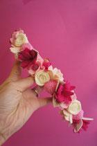 LA BOHèME.   Fuschia, rose pâle, poudré et ivoire.
