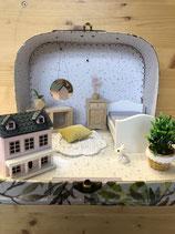 Reise-Puppenhaus mit Möbel und Accessoires