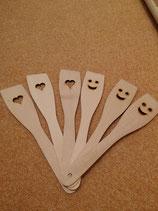 Lustige Holzkellen