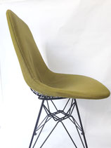 EAMES UPHOLSTERED WIRE CHAIR ( DKR )for HERMAN MILLER