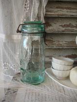 Uraltes dekoratives Vorratsglas aus Frankreich