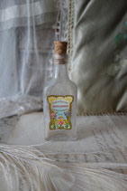 Uralte kleine Glasflasche mit Etikett  Frankreich