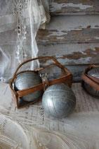 Dekoratives altes Set Boulekugeln aus Frankreich JB