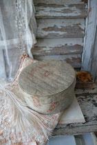 RAR: Zauberhafte alte Stoffschachtel Frankreich