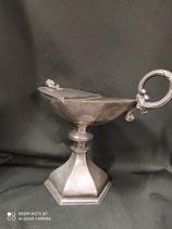 Navicella antica in metallo