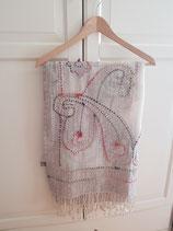 grijze merinowollen sjaal met print