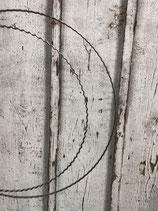 Metallring silber aus gewelltem Flachdraht
