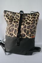 7. M- Rucksack Leopard/ Schwarz