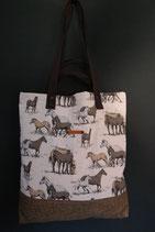 122. Freizeittasche Pferd Baumwolle/ matt braun