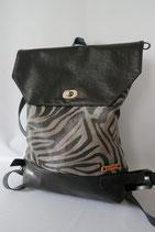 3. S- Deckel Rucksack Zebra grau