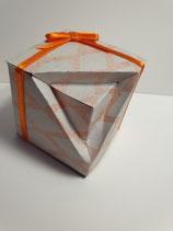Box mit Knickecke