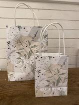 Geschenktüten Set 2tlg Papier weiss mit Blättern