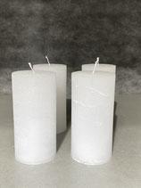 4 Kerzen durchgefärbt weiss 60/120mm Brennzeit 45Std