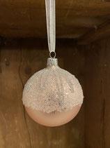 Glaskugel blush pink matt mit Glitzer und Perlen dia 8cm