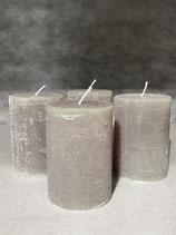 4 Kerzen durchgefärbt pinie 70/100mm Brennzeit 45Std