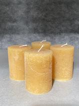 4 Kerzen durchgefärbt honig 60/80mm Brennzeit 28Std