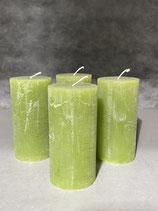 4 Kerzen durchgefärbt smaragd 60/120mm Brennzeit 45Std