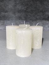 4 Kerzen durchgefärbt off white 50/80mm Brennzeit 20Std