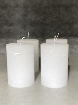 4 Kerzen durchgefärbt weiss 70/100mm Brennzeit 45Std