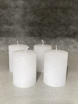 4 Kerzen durchgefärbt weiss 60/80mm Brennzeit 28Std