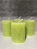 4 Kerzen durchgefärbt smaragd 60/80mm Brennzeit 28Std