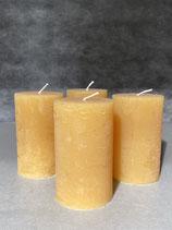 4 Kerzen durchgefärbt honig 60/100mm Brennzeit 38Std