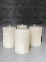 4 Kerzen durchgefärbt off white 70/100mm Brennzeit 45Std