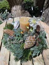 Adventsgesteck Christrose mit Kerze