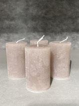 4 Kerzen durchgefärbt taupe 50/80mm Brennzeit 20Std