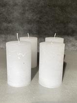 4 Kerzen durchgefärbt weiss 60/100mm Brennzeit 38Std