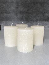 4 Kerzen durchgefärbt off white 60/80mm Brennzeit 28Std