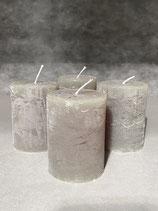 4 Kerzen durchgefärbt pinie 60/80mm Brennzeit 28Std