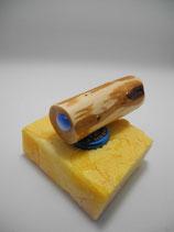 """Magnethalter """"Katzenauge"""", gewachstes Wacholder-Holz, L ca. 70mm, D ca. 26mm, Haltekraft >110g"""