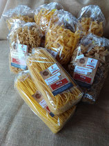 verschiedene  Nudelsorten  aus dem Hofladen von Lamparters Landhof - einfach auswählen