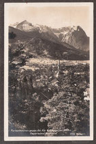 82467   (W-8100)   Garmisch-Partenkirchen    -Partenkirchen gegen die Alp und Zugspitze-  (PK-00036)