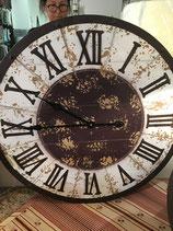 Uhr rund aus Holz Vintage
