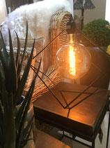 Lampe Quader Metall Schwarz mit Glühbirne Kugel