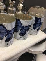 Windlicht Glas, innen antik-silber außen Schmetterlingsmotiv blau-weiß von Lene Bjerre
