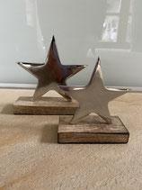 Sterne silber mit Holzsockel