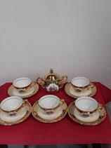 Service à Café  Décor or 6 tasses plus Sous tasses plus sucrier Diamètre sous tasse 12 cm Diamètre tasse  à café 7 cm