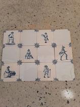 Lot de 12 carreaux Anciens avec Scènes  des Métiers Dimensions 10 cm ×10 cm Faience de Delft référence AB27