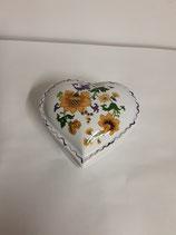 Coeur Faience de Desvres Décor Fleurs Jaune et violet Hauteur 3cm Diamètre 6,5 cm