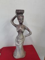 L Africaine et son panier Faience de Desvres Hauteur 43,5cm Diamètre 12 cm