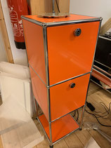 Highboard orange mit 2 x Klappe7Riegel