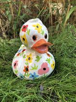 RIB253B Ente Figur weiß mit handbemalten Blumen klein