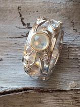 Ring 925 Silber mit Regenbogenmondstein und schönem Ornament R93