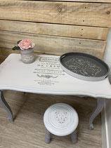 Table basse blanc et gris